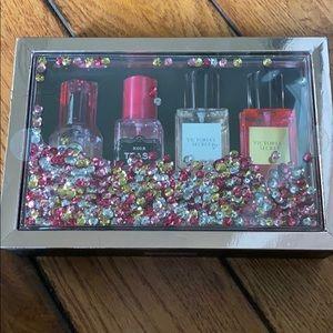 VS bombshell tease love crush mist gift set spray
